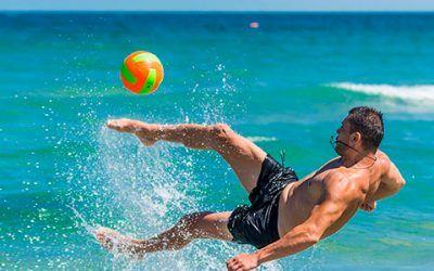 chico playa 400x250 Vacaciones Singles