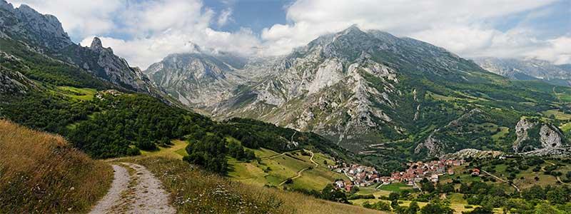 Picos de Europa en la Aventura en Asturias Semana Santa Singles en Asturias