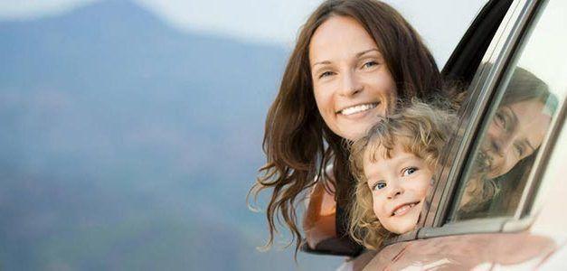 mama con niña 627x300 Singles con Niños