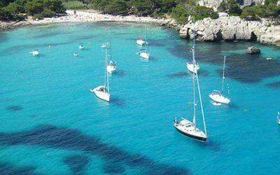 velero a menorca 400x250 Vacaciones Singles
