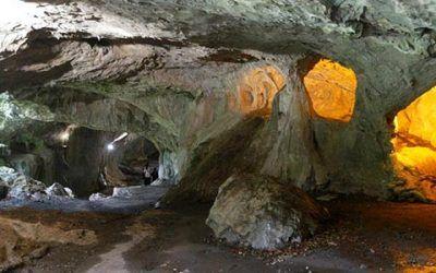 cuevas zugarramurdi 400x250 Vacaciones Singles