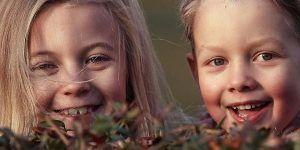 niños riendo 300x150 Especial Mojacar Monoparental