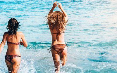 chica mar 400x250 Vacaciones Singles