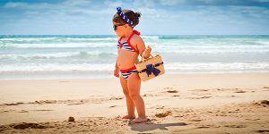niña bolso playa 300x150 Calendario de Viajes Singles