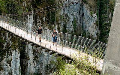Puente colgante de Holtzarte 400x250 Vacaciones Singles