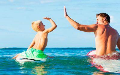 Surf padre e hijo 400x250 Vacaciones Singles