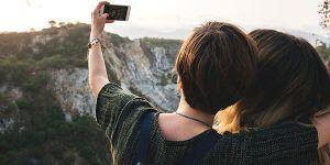 chicas selfie 300x150 Especial Mojacar Monoparental