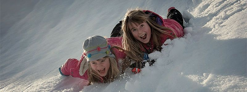 niños riendo nieve Singles con Niños