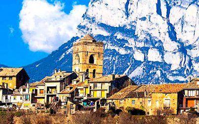 pirineos pueblo 400x250 Vacaciones Singles