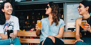 chicas cerveza