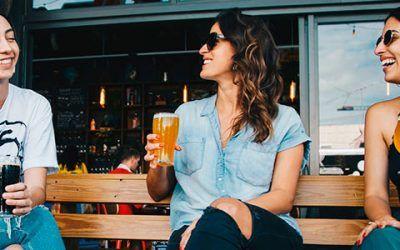 Chicas cerveza 400x250 Vacaciones Singles
