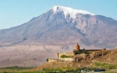 Armenia monasterio de Khor Virap 400x250 Vacaciones Singles