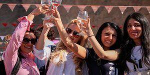 Chicas en Armenia
