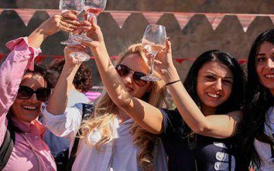 chicas en armenia 400x250 Vacaciones Singles