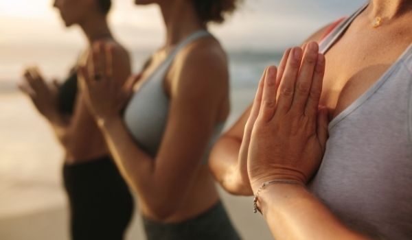 Chicas Meditacion Lanzarote Woman Evasion
