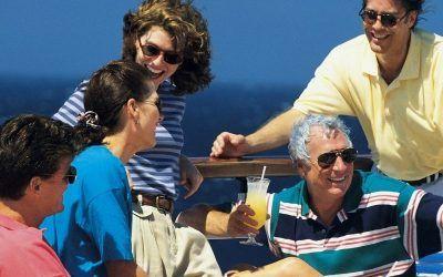Grupo en cubierta crucero 1250X500 400x250 Vacaciones Singles