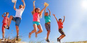 Niños saltando dunas 1250X500