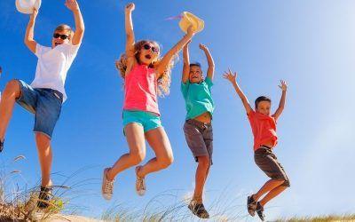 Ninos saltando dunas 1250X500 400x250 Vacaciones Singles