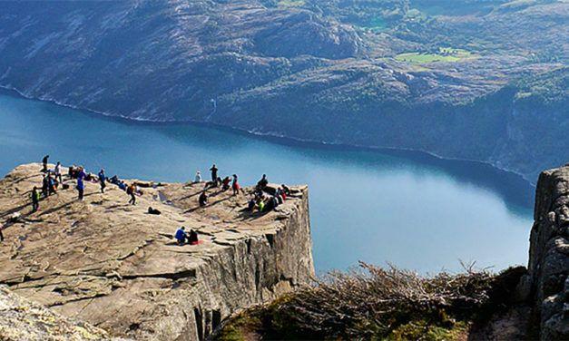 Noruega Fiordos lagos y montanas 627x376 Viajes Singles a Europa